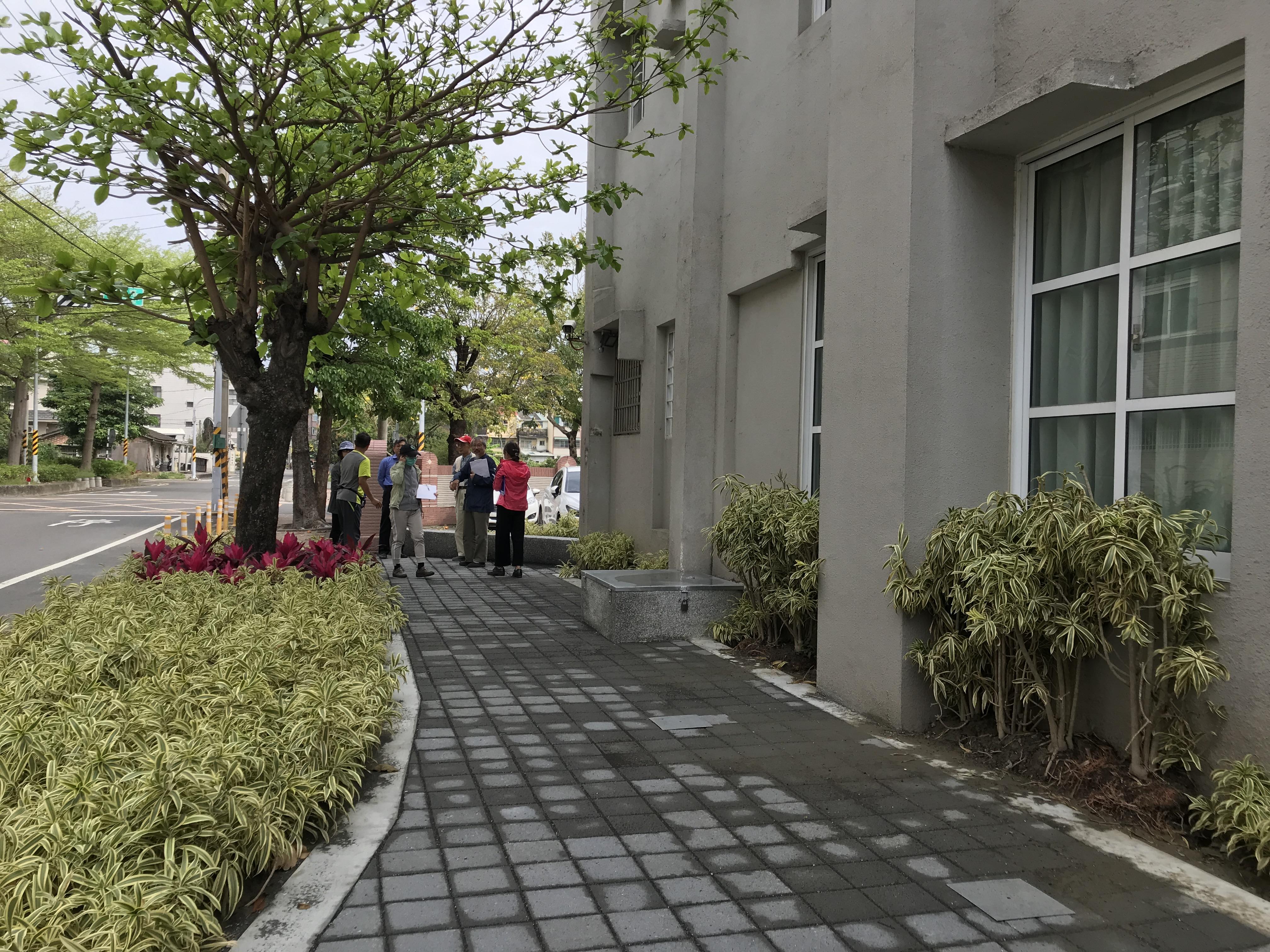【佳里區佳里國小_佳里光廊】去除圍牆,增加人行道並改善空間