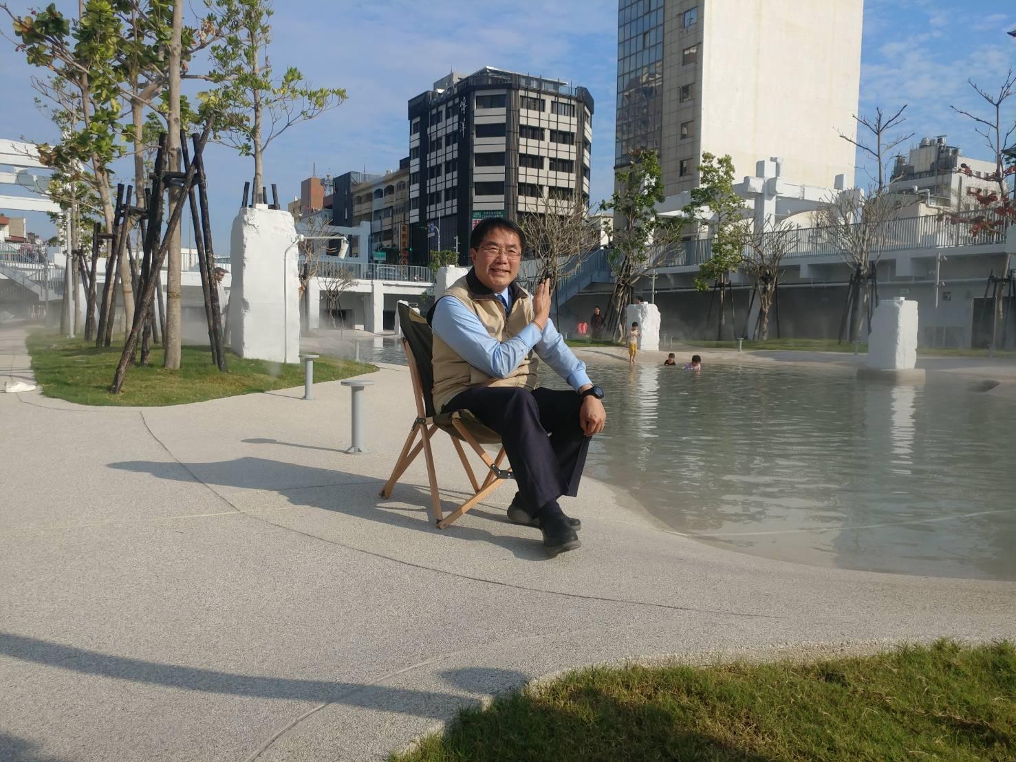 黃偉哲市長邀請大家一起春游河樂