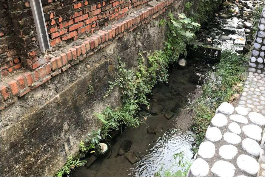 福安坑溪於建興國中段仍為明溝