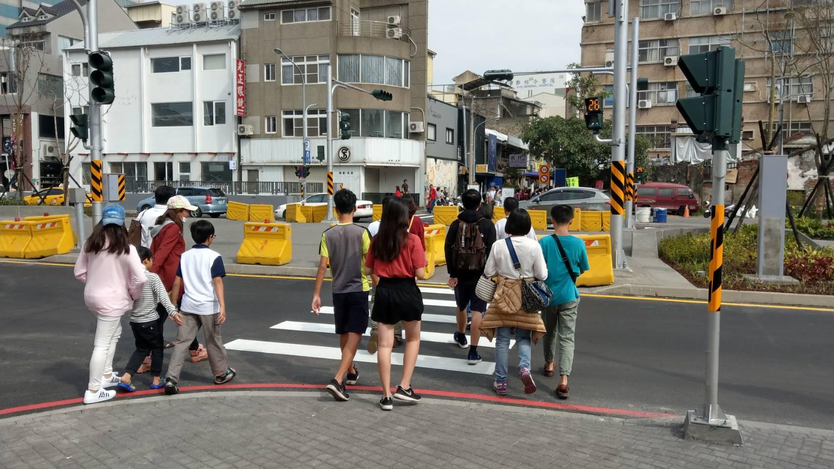 市府回應正興街與海安路中央軸帶人行步道封閉問題  0