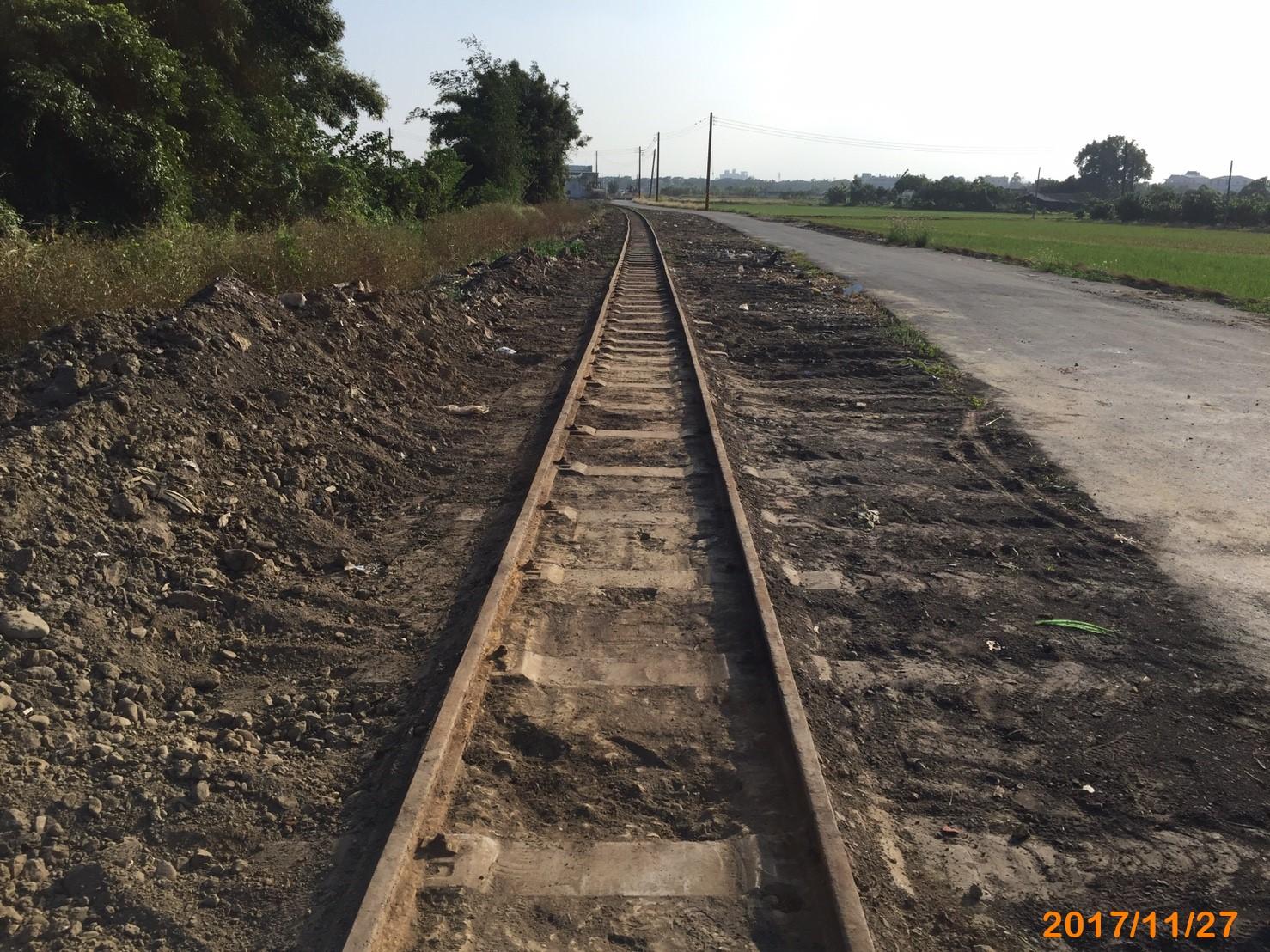 V13農路部分路段已進行清整,忠實呈現鐵道原貌.jpg